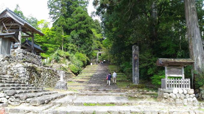 平泉寺境内の入り口